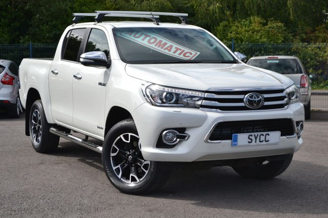 USED 2017 17 TOYOTA HI-LUX 2.4 INVINCIBLE X 4WD D-4D DCB 148 BHP ~ SAT NAV ~ HEATED LEATHER ROLLER CUPBOARD LOAD AREA PACK ~ SAT NAV ~ HEATED LEATHER