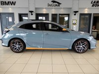 USED 2017 R HONDA CIVIC 1.0 VTEC EX 5d AUTO 128 BHP FINISHED IN STUNNING PEAR SONIC GREY WITH COMPLIMENTNG BLACK LEATHER HEATED SEATS + TOCUH SCREEN SATELLITE NAVIGATION + SLIDING PANORAMIC ROOF + BLUETOOTH MEDIA + WIFI CONNECTIVITY + APP CONNECT + DAB DIGITAL RADIO + IN CAR ENTERTAINMENT + STUNNING CAR THROUGHOUT WITH ALL THE LUXURY REFINEMENTS + DUAL ZONE AIR CONDITIONING + AUTOMATIC CLIMATE CONTROL + REAR CAMERA + CRUISE CONTROL + LANE KEEP ASSIST + COLLSION ASSIST + XENON HEADLIGHTS WITH LED DAYTIME RUNNING LIGHTS + CARBON WITH ORANGE INTERI