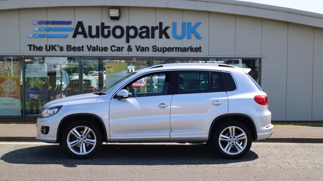 USED 2014 64 VOLKSWAGEN TIGUAN 2.0 R LINE TSI 4MOTION DSG 5d 207 BHP LOW DEPOSIT OR NO DEPOSIT FINANCE AVAILABLE . COMES USABILITY INSPECTED WITH 30 DAYS USABILITY WARRANTY + LOW COST 12 MONTHS ESSENTIALS WARRANTY AVAILABLE FOR £199 .  WE'RE ALWAYS DRIVING DOWN PRICES .