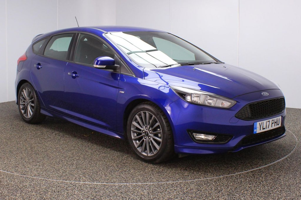 USED 2017 17 FORD FOCUS 1.0 ST-LINE 5DR 1 OWNER 124 BHP FULL SERVICE HISTORY + SATELLITE NAVIGATION + BLUETOOTH + MULTI FUNCTION WHEEL + AIR CONDITIONING + DAB RADIO + AUX/USB PORTS + ELECTRIC WINDOWS + ELECTRIC/HEATED DOOR MIRRORS + 17 INCH ALLOY WHEELS