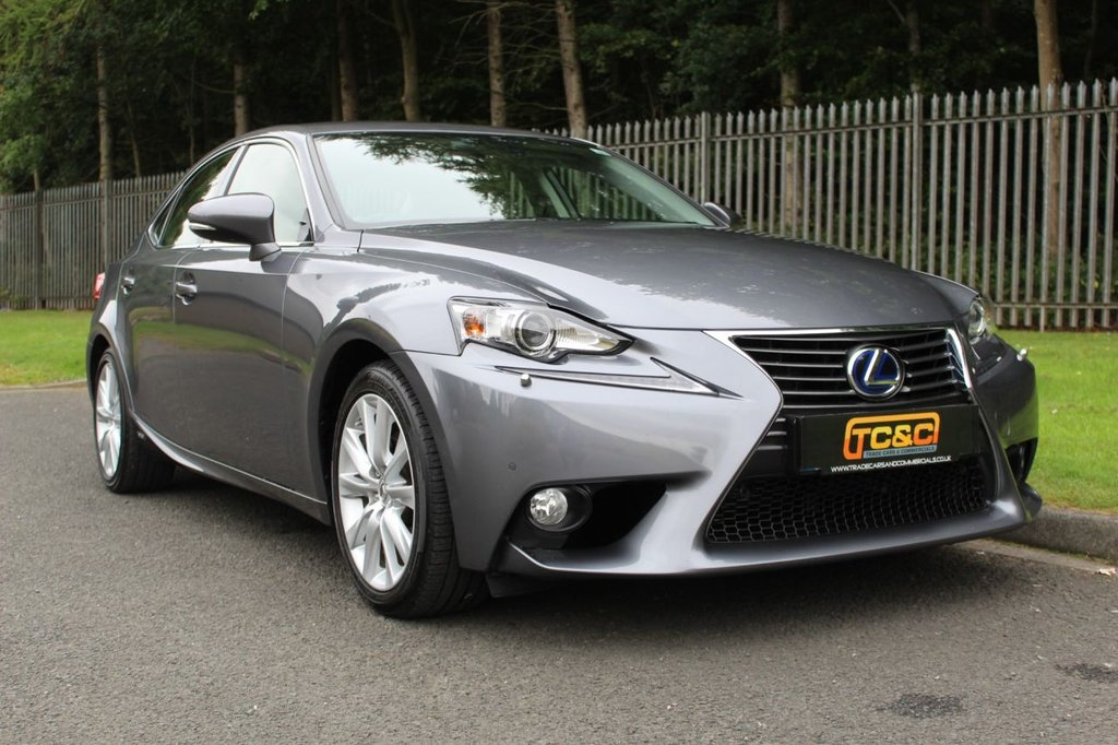 USED 2014 14 LEXUS IS 300h LUXURY 4dr CVT Auto A VERY CLEAN, WELL CARED FOR EXAMPLE WITH IVORY LEATHER AND A COMPREHENSIVE SERVICE HISTORY!!!