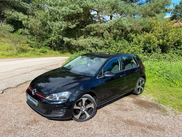 USED 2015 15 VOLKSWAGEN GOLF 2.0 MATCH TDI BLUEMOTION TECHNOLOGY 5d 148 BHP NEW IN