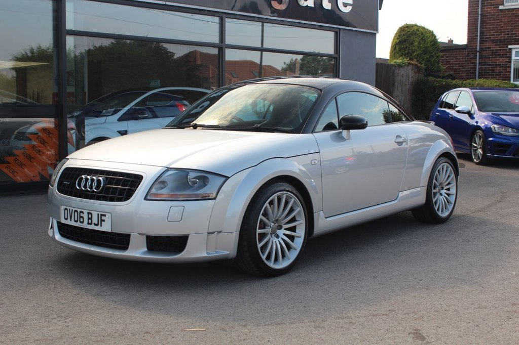 USED 2006 06 AUDI TT 1.8 QUATTRO SPORT 3d 236 BHP Silver Metallic with Phanton Black Roof Audi tt Sport 240, Recaro Pole Position Seats, Polished aluminium sill trims, Height/reach adjustable steering column, Cup Holders, Driver's information system, Warning triangle, Anti lock brake system + Electronic Brake force Distribution, Electronic Differential Lock + traction control, First aid kit, Driver and passenger airbags, Aluminium elements on instrument panel/fascia/doors, Remote control central locking+folding key, Transponder immobiliser, Col