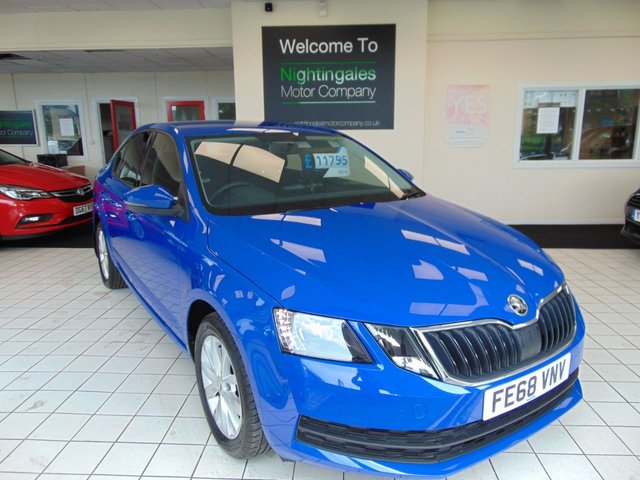 """USED 2018 68 SKODA OCTAVIA 1.0 S TSI 5d 114 BHP ONE OWNER + FULL HISTORY VEHICLE + ALSO BLUETOOTH + MULTI FUNCTION TRIP COMPUTER + BOLERO RADIO WITH 8"""" TOUCH SCREEN DISPLAY + STOP START + 8 SPEAKERS + GEAR CHANGE RECOMMENDATION + SMART LINK + ALARM + HILL HOLD CONTROL + LED DAYTIME RUNNING LIGHTS + REAR LED LIGHTS + ISOFIX + REMOTE CENTRAL LOCKING + ELECTRIC WINDOWS + 16"""" ALLOY WHEELS + HALOGEN HEADLIGHTS +"""