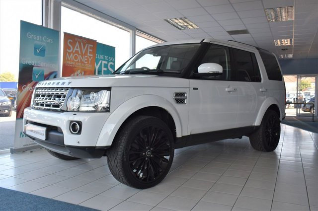 2013 63 LAND ROVER DISCOVERY 4 3.0 SDV6 HSE 5d 255 BHP AUTO START/STOP VERY LOW-MILES