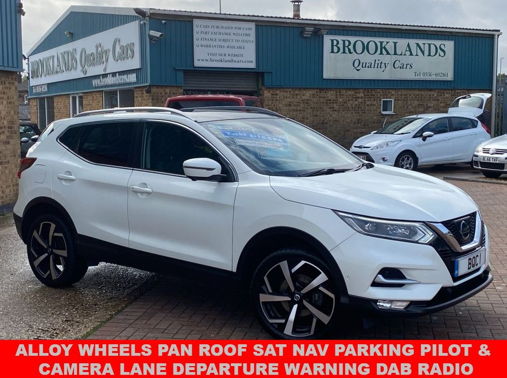 USED 2017 67 NISSAN QASHQAI 1.6 DCI TEKNA Storm White Pearlescent 40276 miles FSH 6 Speed Manual 128 BHP  Fully Loaded Qashqai With Alloy Wheels Pan Roof Sat Nav Parking Pilot & Camera Lane Departure Warning