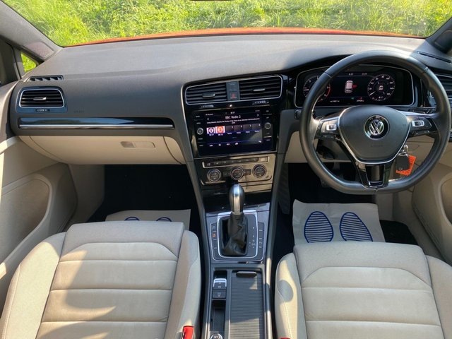 USED 2017 67 VOLKSWAGEN GOLF 1.6 GT TDI BLUEMOTION TECHNOLOGY DSG 5d 114 BHP Big spec  VIRTUAL COCKPIT