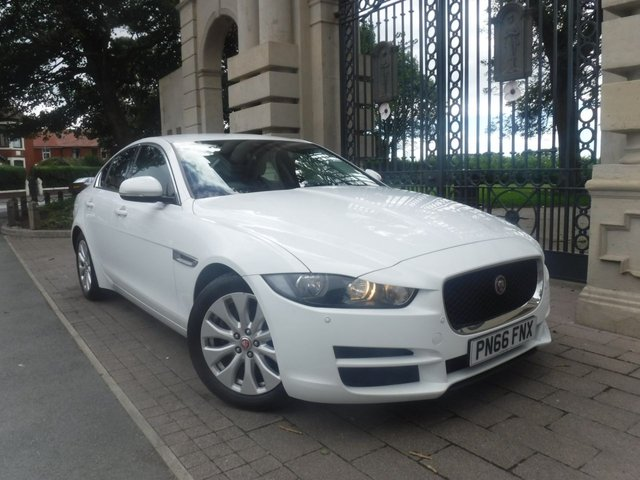 USED 2016 66 JAGUAR XE 2.0 SE 4d 161 BHP £20 TAX*CRUISE*NAV*BTOOTH*JAGUAR SERVICE HISTORY*F+R PS