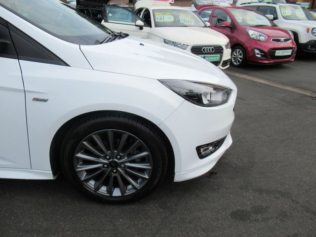 USED 2018 18 FORD FOCUS 1.0 ST-LINE 5d 139 BHP ** 1 OWNER FROM BRAND NEW **
