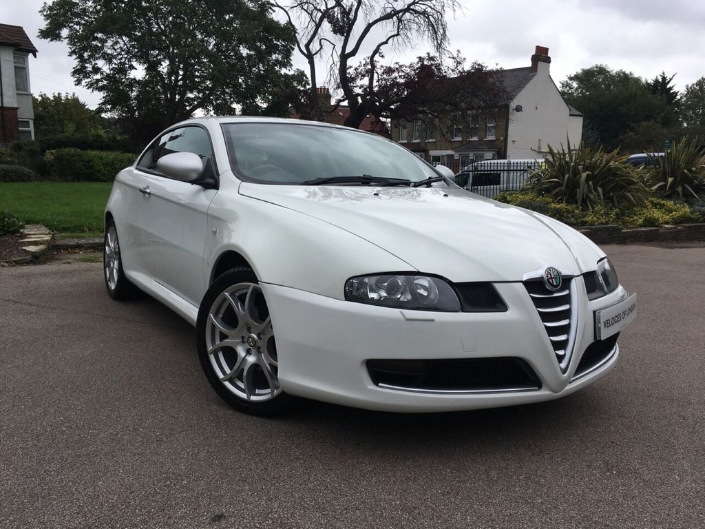 USED 2010 10 ALFA ROMEO GT 1.9L JTDM 16V CLOVERLEAF 3d 170 BHP BEST GT FOR SALE IN THE UK..