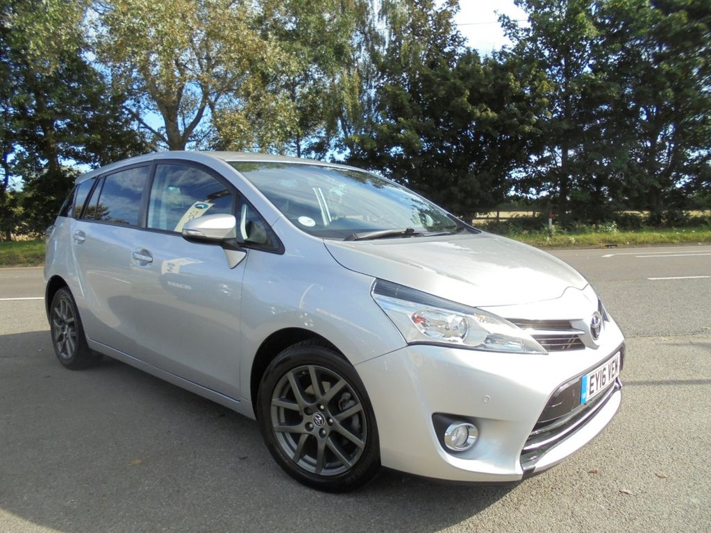 USED 2016 16 TOYOTA VERSO 1.6 D-4D TREND 5d 122 BHP