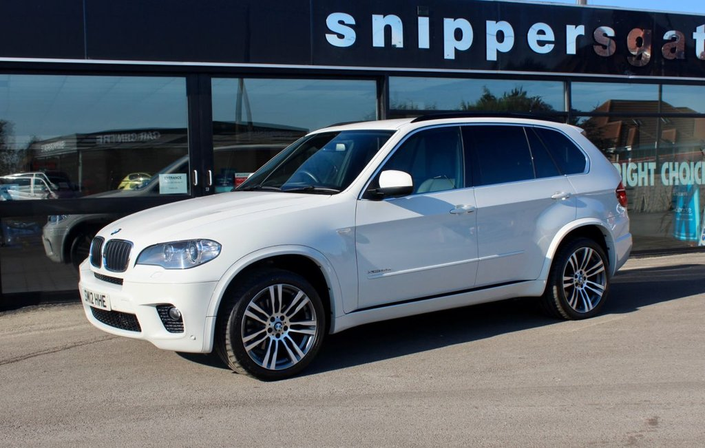 """USED 2012 12 BMW X5 3.0 XDRIVE30D M SPORT 5d 241 BHP Alpine White, 20"""" Alloys, Full Black Leather, Heated Seats, Sat Nav, Bluetooth, Privacy Glass, Self Levelling Suspension, Electric Memory Seats, Sports Seats, Xenon Headlights, Rain sensor, Cruise Control, Navigation System Professional, Bluetooth Phone, DAB Tuner, USB Audio Interface, Music Interface For Smartphone, Privacy Glass, Light package, Park Distance Control, 2 Keys, Full Service History."""