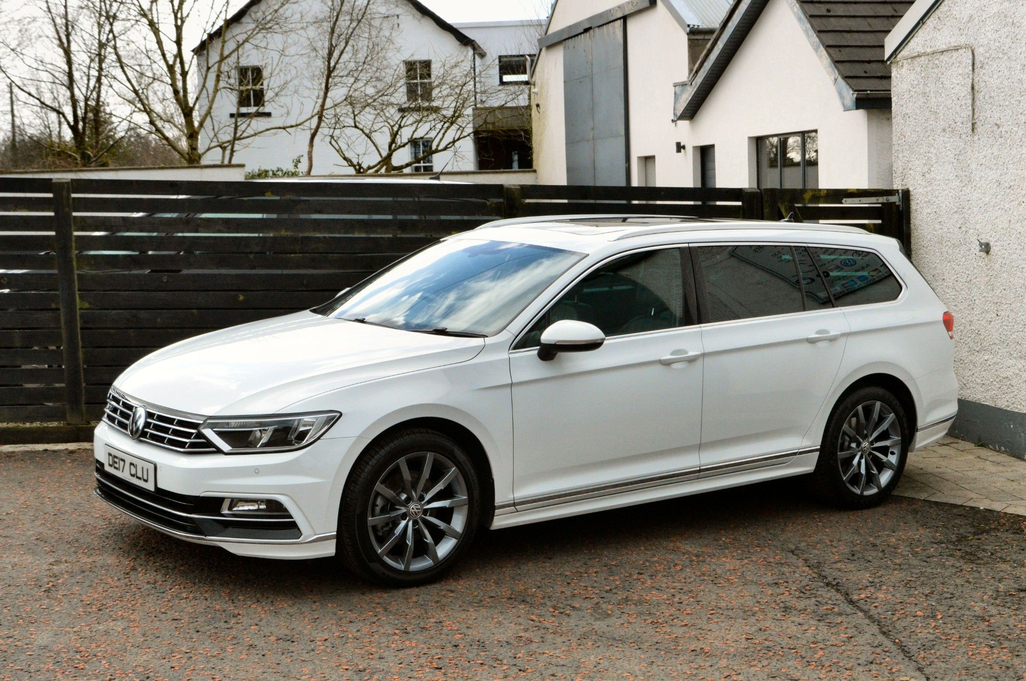 USED 2017 17 VOLKSWAGEN PASSAT 2.0 R LINE TDI BLUEMOTION TECHNOLOGY 5d 148 BHP 6 MONTHS RAC WARRANTY FREE + 12 MONTHS ROAD SIDE RECOVERY!