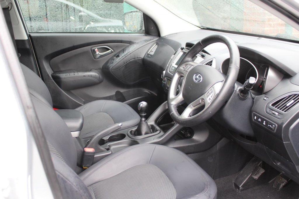 USED 2011 61 HYUNDAI IX35 2.0 PREMIUM CRDI 4WD  5 DOOR 134 BHP