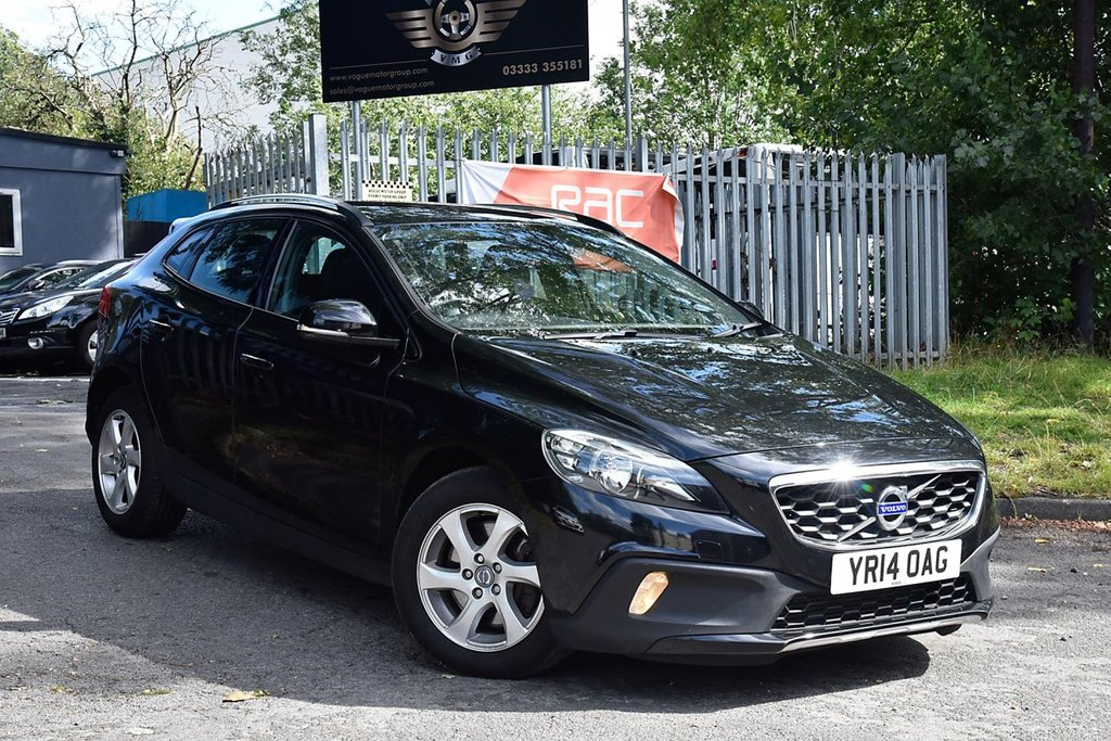 USED 2014 14 VOLVO V40 2.0 D3 CROSS COUNTRY SE 5d 148 BHP