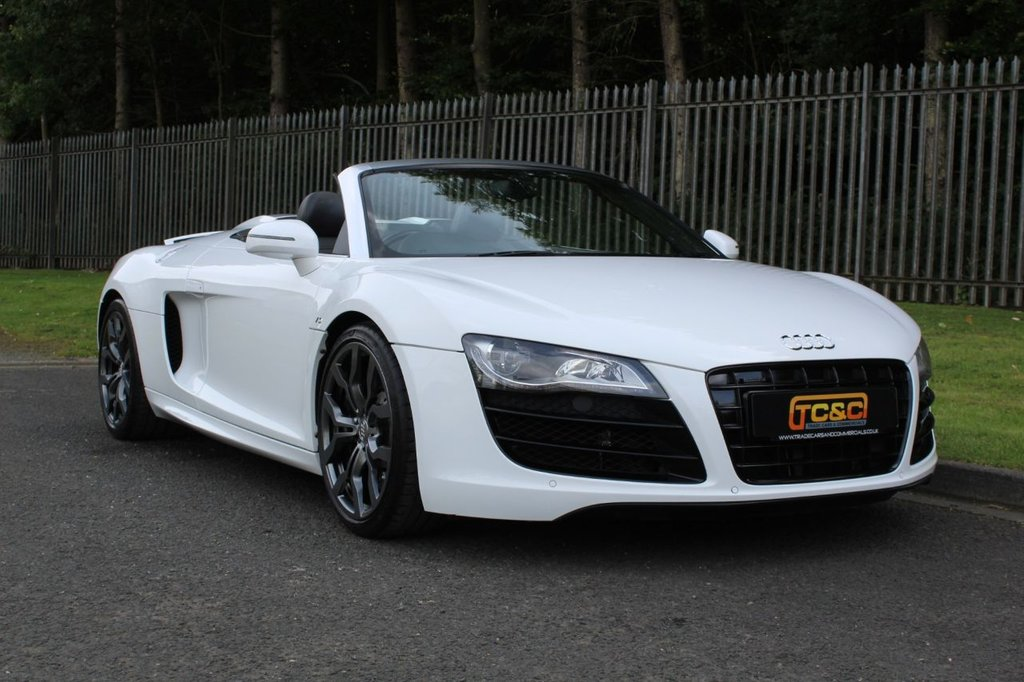 USED 2012 12 AUDI R8 5.2 SPYDER V10 QUATTRO 2d 518 BHP A STUNNING LOW MILEAGE R8 IN GREAT CONDITION AND WITH A FULL AUDI MAIN DEALER SERVICE HISTORY!!!