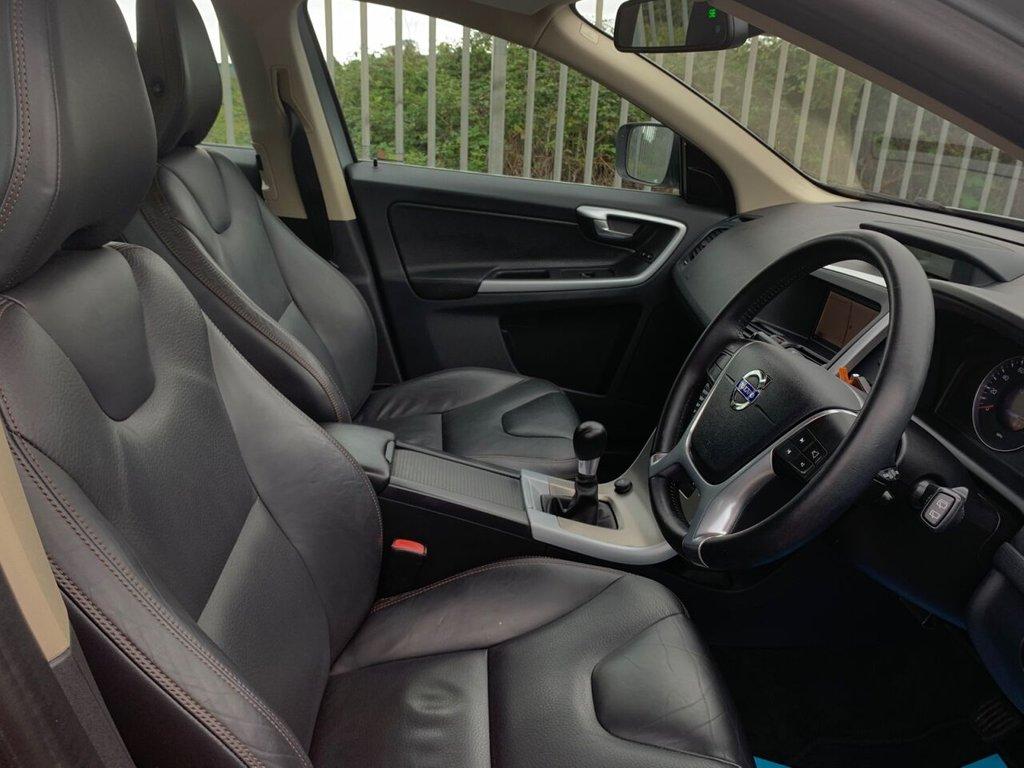USED 2010 10 VOLVO XC60 2.4 D DRIVE SE 5d 175 BHP