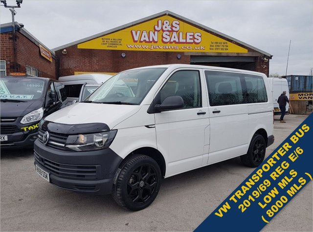 USED 2019 69 VOLKSWAGEN TRANSPORTER SHUTTLE MINIBUS  7500 MLS 2019/69 REG T6 BLACK PACK SPEC SUPER LOOKING T6  COMBI CAMPER