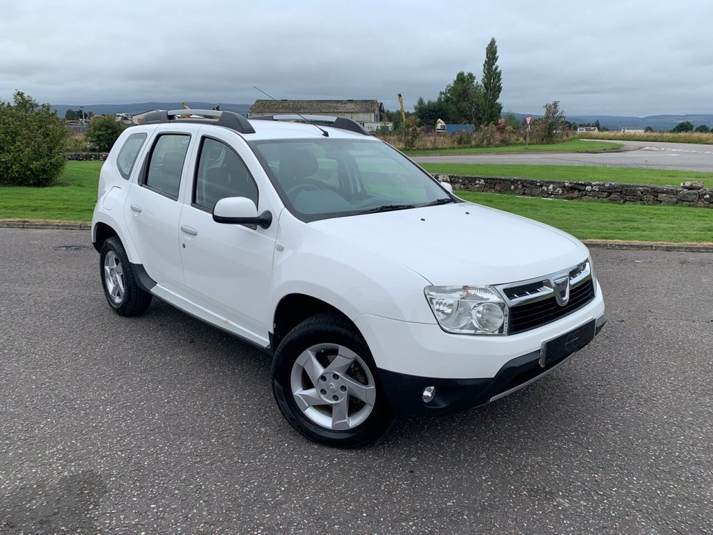 USED 2014 64 DACIA DUSTER 1.5L LAUREATE DCI 4WD 5d 109 BHP