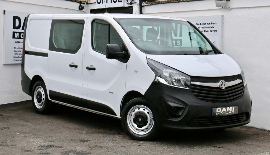 USED VAUXHALL VIVARO *GREAT VALUE*6 SEATER**