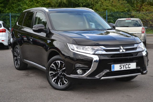 USED 2016 66 MITSUBISHI OUTLANDER 2.0 PHEV GX 4H 5d 161 BHP ~ SAT NAV ~ HEATED LEATHER ~ REVERSE CAMERA HEATED LEATHER ~ SAT NAV ~ 360 CAMERA ~ 6 MONTHS WARRANTY