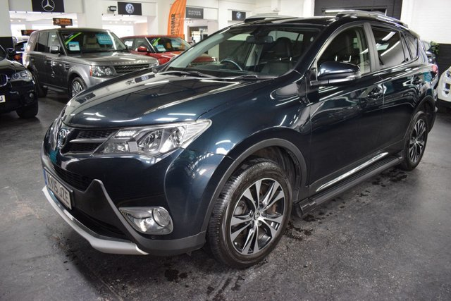 USED 2015 15 TOYOTA RAV4 2.0 D-4D INVINCIBLE AWD 5d 124 BHP LOVELY CONDITION - ONE OWNER - 9 TOYOTA STAMPS TO 88K - LEATHER - NAV - HEATED SEATS - POWERBOOT