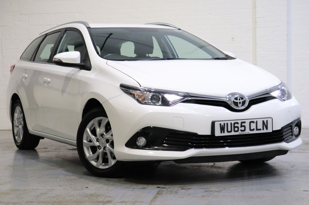 USED 2015 65 TOYOTA AURIS 1.2 VVT-I ICON TOURING SPORTS 5d 114 BHP Full Toyota Service History