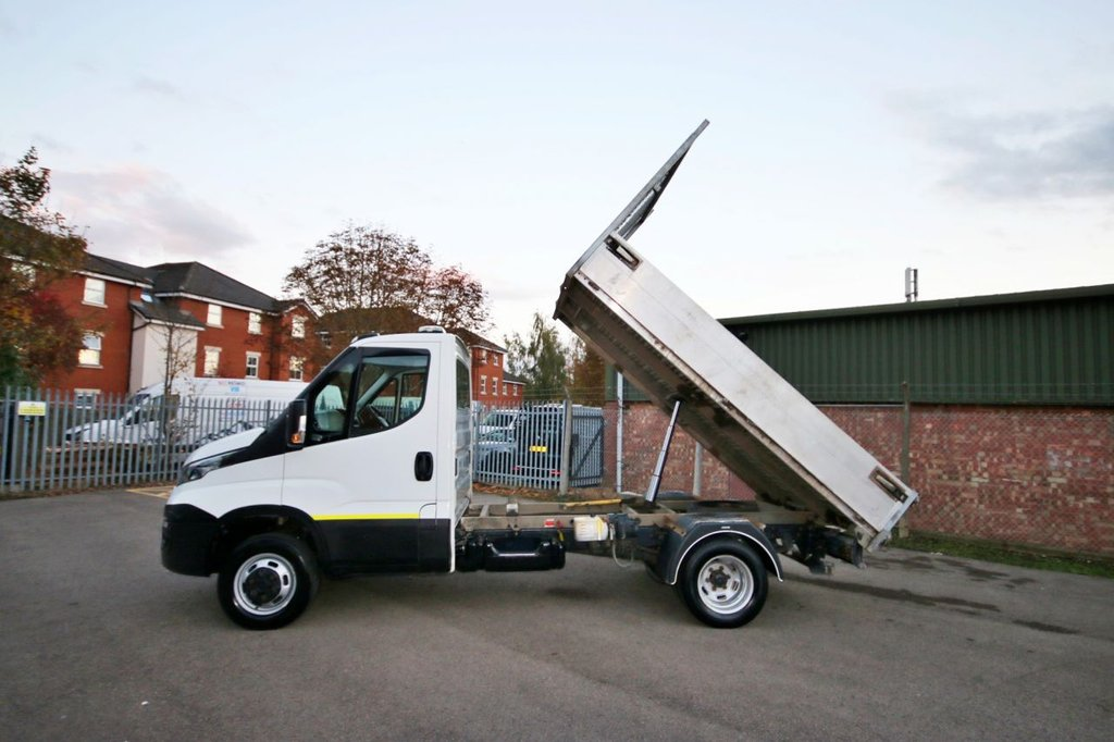 USED 2017 17 IVECO DAILY 2.3 35C14 135 BHP EURO 6 TIPPER + 3.5KG TOW CAPACITY + TACHO