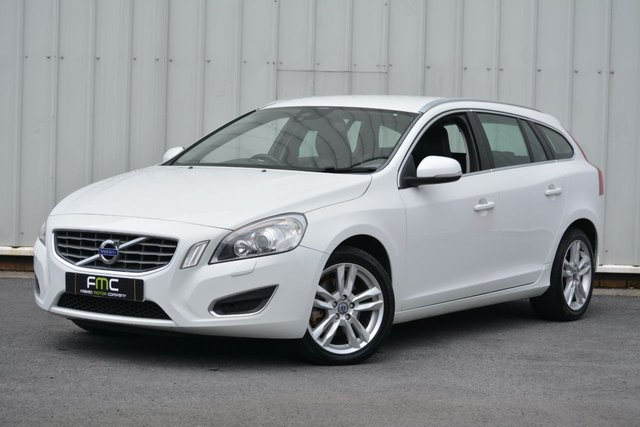 2012 12 VOLVO V60 2.0 D4 SE LUX 5d 161 BHP