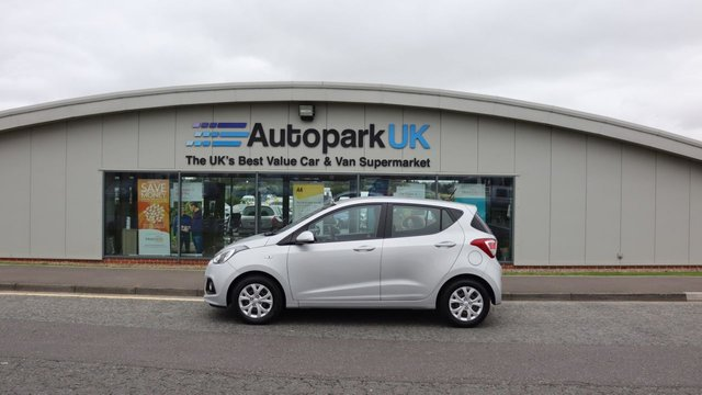USED 2014 14 HYUNDAI I10 1.2 SE 5d 86 BHP LOW DEPOSIT OR NO DEPOSIT FINANCE AVAILABLE . COMES USABILITY INSPECTED WITH 30 DAYS USABILITY WARRANTY + LOW COST 12 MONTHS ESSENTIALS WARRANTY AVAILABLE FOR ONLY £199 .  WE'RE ALWAYS DRIVING DOWN PRICES .