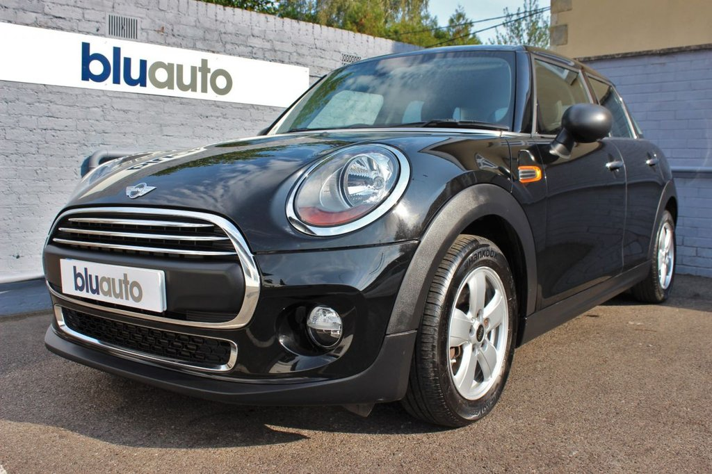 USED 2015 15 MINI HATCH ONE 1.2 ONE 5d 101 BHP 2 Owners, Full Service History, Over £1000 of Extras, Low Running Costs, Low Mileage