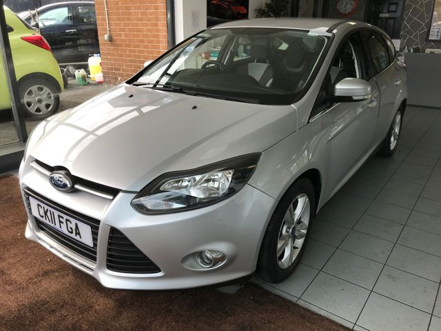 USED 2011 11 FORD FOCUS 1.6 ZETEC 5d 124 BHP LOW MILES