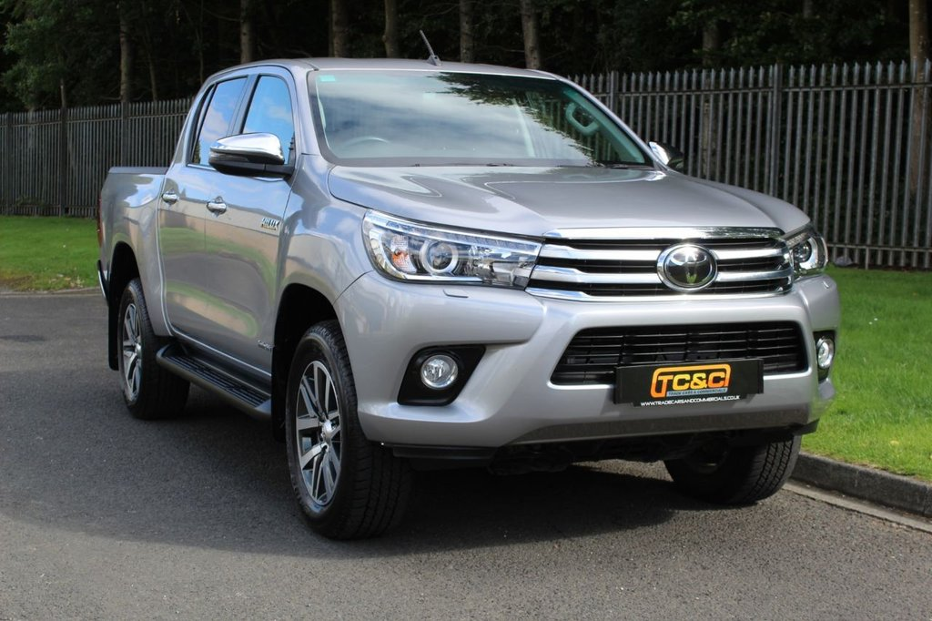 USED 2018 68 TOYOTA HI-LUX 2.4 INVINCIBLE 4WD D-4D DCB 4d 147 BHP A ONE COMPANY OWNER HILUX WHICH COMES WITH THE BALANCE OF A 5 YEAR TOYOTA WARRANTY!!!