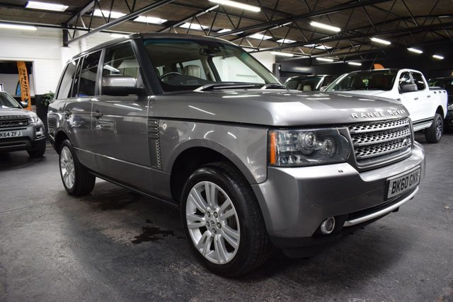 USED 2010 60 LAND ROVER RANGE ROVER 3.6 TDV8 VOGUE 5d 271 BHP ONE PREVIOUS KEEPER - 5 LANDROVER STAMPS TO 93K - IVORY LEATHER - AUTOBIOGRAPHY DESIGN PACK - NAV - TV - 20 INCH ALLOYS