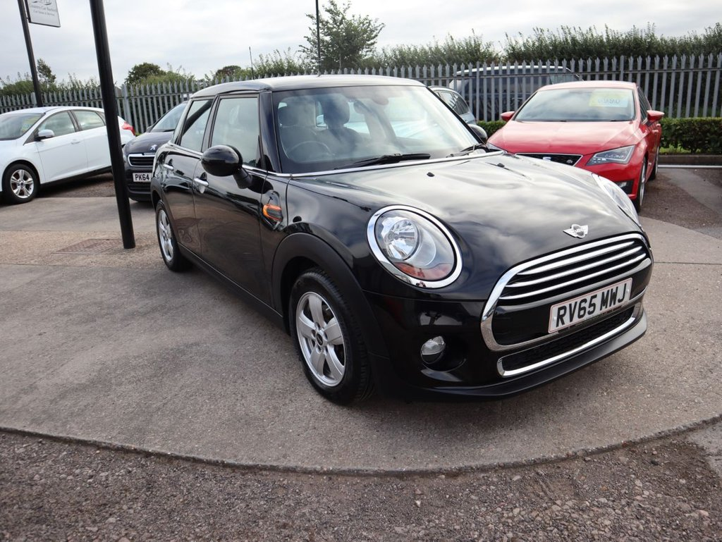 USED 2015 65 MINI HATCH COOPER 1.5 COOPER 5d 134 BHP ONE OWNER FROM NEW WITH MINI SERVICE HISTORY ULEZ COMPLIANT £20 ROAD TAX