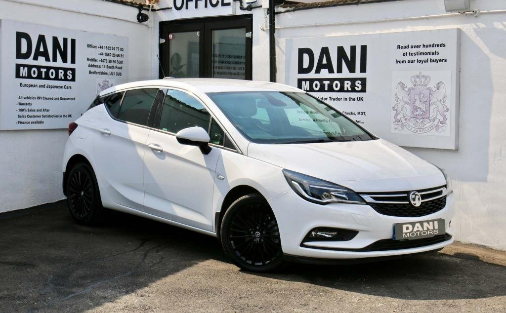 USED 2017 66 VAUXHALL ASTRA 1.6 CDTi BlueInjection Elite Nav Auto 5dr 1 OWNER*PARKING AID*BLUETOOTH