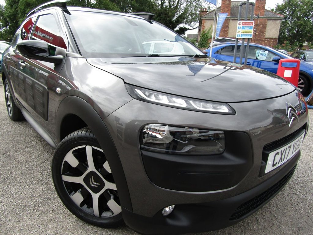 USED 2017 17 CITROEN C4 CACTUS 1.2 PURETECH FLAIR S/S 5d 109 BHP ** New lower price save £££**    Wow immaculate ** lowest miles ** One owner**Best condition **Service history ** Part Exchange welcome ** Low rate PCP ** Click & Collect or Click & deliver ** Buy locally value checked