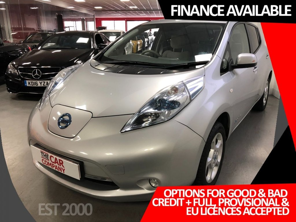 USED 2011 11 NISSAN LEAF 0.0 EV AUTO 5d 107 BHP * ELECTRIC * SAT NAV * REVERSING CAMERA * CRUISE CONTROL * PRIVACY GASS *