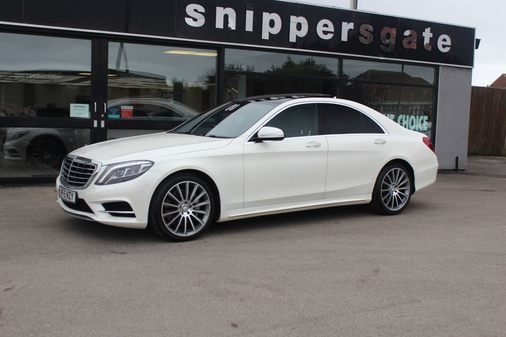 """USED 2015 15 MERCEDES-BENZ S-CLASS 3.0 S350 BLUETEC AMG LINE EXECUTIVE 4d 258 BHP Diamond White Metallic, Full Black Leather, Panoramic Sliding Glass Sunroof, 20"""" AMG Alloys, Heated Seats, Rear View Camera, Electric Front and Rear Seats, Soft Close Doors,  Active Park Assist, Dynamic LED Headlamps, Auto Dimming Mirrors, Memory Package, Memory rear Seats, Sports Steering Wheel, Electric Roller Sunblind on Rear Doors And Rear Screen, Privacy Glass, Dual Cup Holder, Rear Seat Climate Control, Comfort Headrests Driver and Passenger, Tyre Pressure Control, Ambience Illumination, D"""