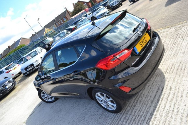 USED 2018 18 FORD FIESTA 1.5 ZETEC TDCI 5d 85 BHP ~ SAT NAV ~ LANE DEPARTURE LANE DEPARTURE WARNING ~ SAT NAV ~ MEDIA ~ REAR PDC