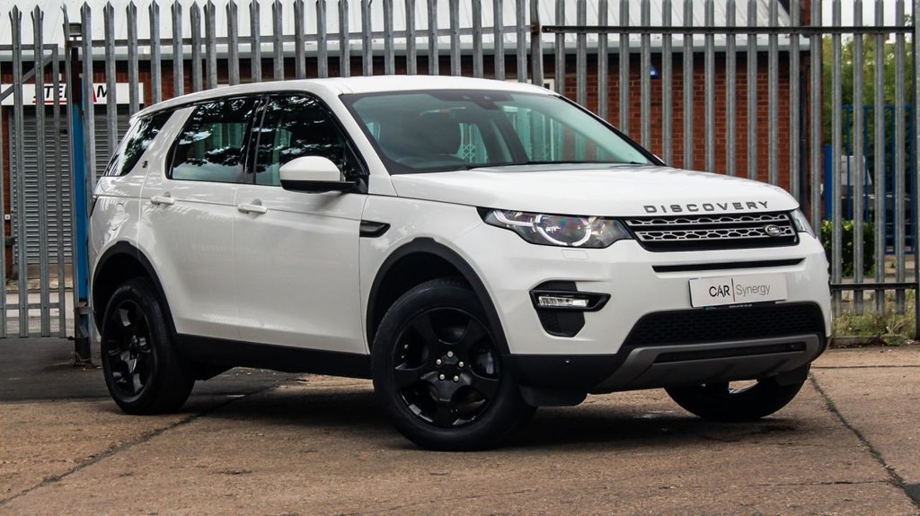 USED 2017 66 LAND ROVER DISCOVERY SPORT 2.0 TD4 SE TECH 5d 150 BHP