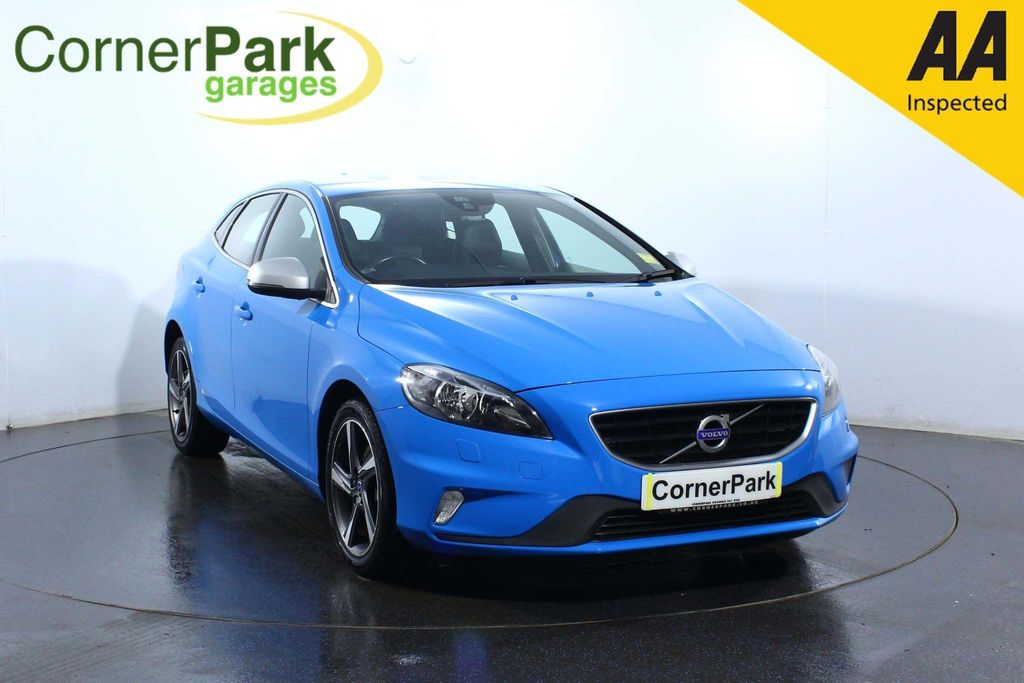 USED 2015 65 VOLVO V40 1.5 T2 R-Design Nav Geartronic (s/s) 5dr SAT NAV - HEATED SEATS - A/C