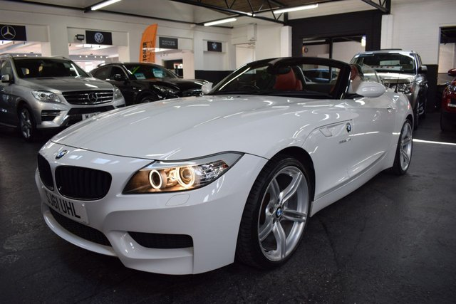 USED 2011 61 BMW Z4 2.5 Z4 SDRIVE23I M SPORT HIGHLINE EDITION 2d 201 BHP LOVELY LOW MILEAGE EXAMPLE - M SPORT HIGHLINE - 6 STAMPS TO 30K - CORAL RED LEATHER - 19 INCH ALLOYS - SAT NAV - HEATED SEATS
