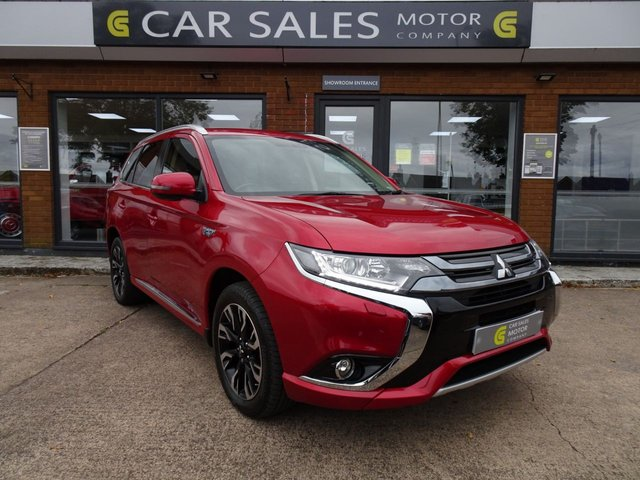 USED 2017 67 MITSUBISHI OUTLANDER 2.0 PHEV JURO 5d 200 BHP ONE OWNER FROM NEW, APPLE CAR PLAY SAT NAV, 4WD, REVERSE CAMERA, LEATHER AND ALACANTRA INTERIOR, MITSUBISHI SERVICE HISTORY, HPI CLEAR, 5 STAR RATED DEALERSHIP