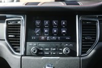 USED 2017 67 PORSCHE MACAN 2.0 PDK 5d AUTO 248 BHP
