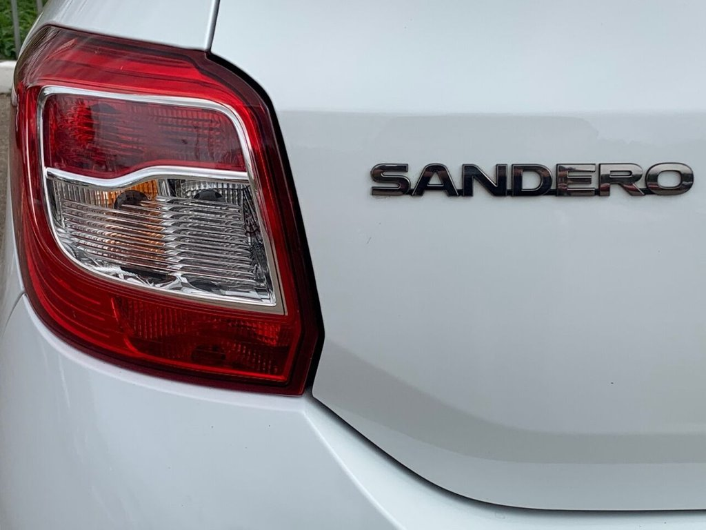 USED 2015 15 DACIA SANDERO 1.5 LAUREATE DCI 5d 90 BHP