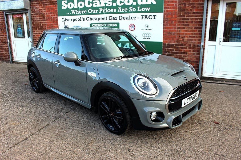 USED 2019 19 MINI HATCH COOPER 2.0 COOPER S SPORT 5d 190 BHP +JCW PACKAGE +NAVIGATION PACK.