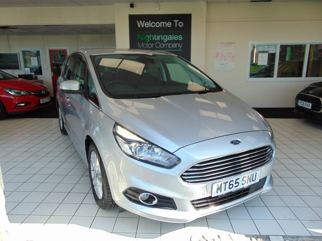 """USED 2015 65 FORD S-MAX 2.0 TITANIUM TDCI 5d 148 BHP THIS VERY POPULAR FORD S-MAX 2.0 TDCI TITANIUM AUTOMATIC 7 SEATER COMES WITH FULL SERVICE HISTORY + AUGUST 2021 MOT + SATELLITE NAVIGATION + BLUETOOTH + CRUISE CONTROL + CLIMATE CONTROL + HEATED WINDSCREEN + PRIVACY GLASS + SPARE WHEEL + ABS + DAB RADIO + PRIVACY GLASS + REAR PARKING SENSORS + VOICE CONTROL AUDIO +8"""" TFT  COLOUR DISPLAY +  ISOFIX + FRONT FOG LIGHTS + DAYTIME RUNNING LIGHTS + CURVE CONTROL + 17"""" ALLOY WHEELS + DRIVERS ARMREST + ELECTRIC DRIVERS SEAT ADJUSTMENT + REAR AIR CONDITIO"""