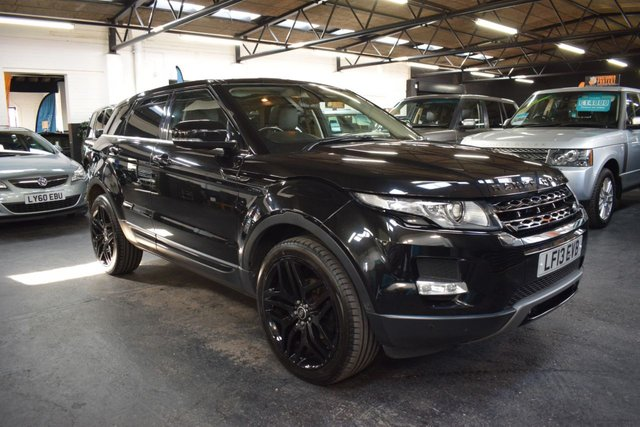 USED 2013 13 LAND ROVER RANGE ROVER EVOQUE 2.2 SD4 PRESTIGE 5d 190 BHP 4x4 AUTO TOP PRESTIGE SPEC - 4X4 - 190BHP - AUTO - 7 STAMPS TO 64K - LEATHER - NAV - GLASS PANROOF - PARK ASSIST - TOP LEATHER DASH
