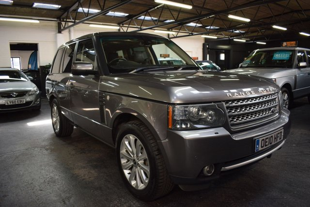 USED 2010 10 LAND ROVER RANGE ROVER 3.6 TDV8 AUTOBIOGRAPHY 5d 271 BHP STUNNING TOP SPEC AUTOBIOGRAPHY - 7 STAMPS TO 85K - SUNROOF - SAT NAV - TV - DUAL VIEW - PRIVACY GLASS